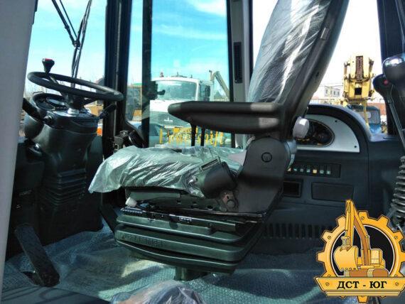 Экскаватор погрузчик MST 544