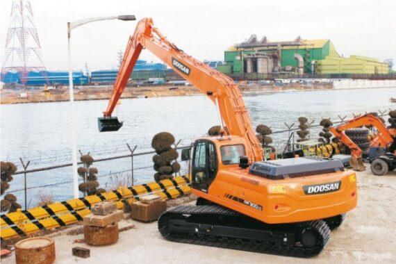 Гусеничный экскаватор Doosan DX300LCA SLR