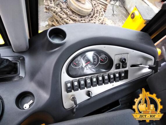 Экскаватор погрузчик MST 544 Plus