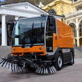 Самоходная подметально-уборочная машина citycat-5006
